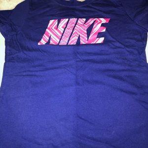 Girls Nike shirt size L